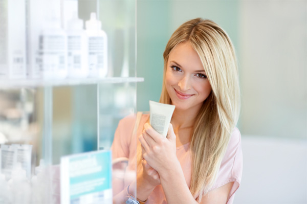 Online review sites are more useful in purchasing suitable cosmetic products!