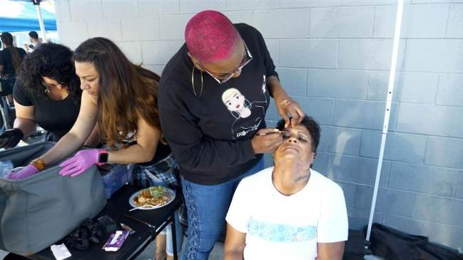 Beautician Shirley Raines Brings Goods and Services to Homeless in L.A. via Non-Profit Beauty2TheStreetz