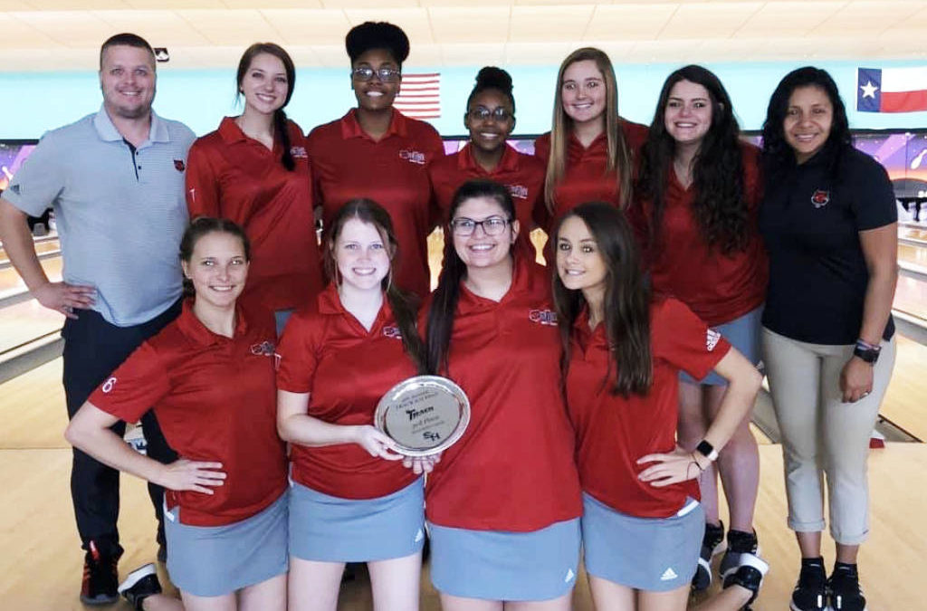 Huren Earns All-Tournament, @AStateBowling Lands Third at Track Kat Klash