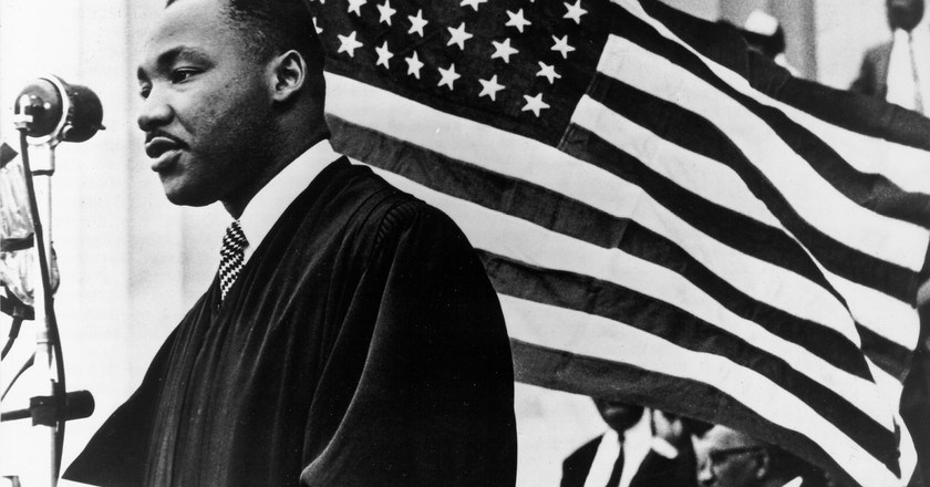 "To Celebrate Martin Luther King Jr Day 2020, King's Progeny Read From His 1965 ""American Dream"" Speech (WATCH)"
