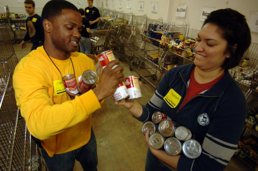 The EBONY Foundation Works to Feed Over 650,000 Children and Seniors Weekly During COVID-19 Pandemic, Starts in Detroit